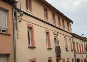 Surélévation et rénovation complète d'un immeuble pour la création de 6 logements. Une conception réalisation SILVEA Architectes.