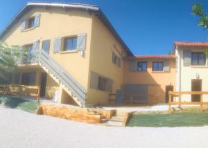 Ensemble immobilier mixte. Logements collectifs et maisons individuelles. SILVEA ARCHITECTES.